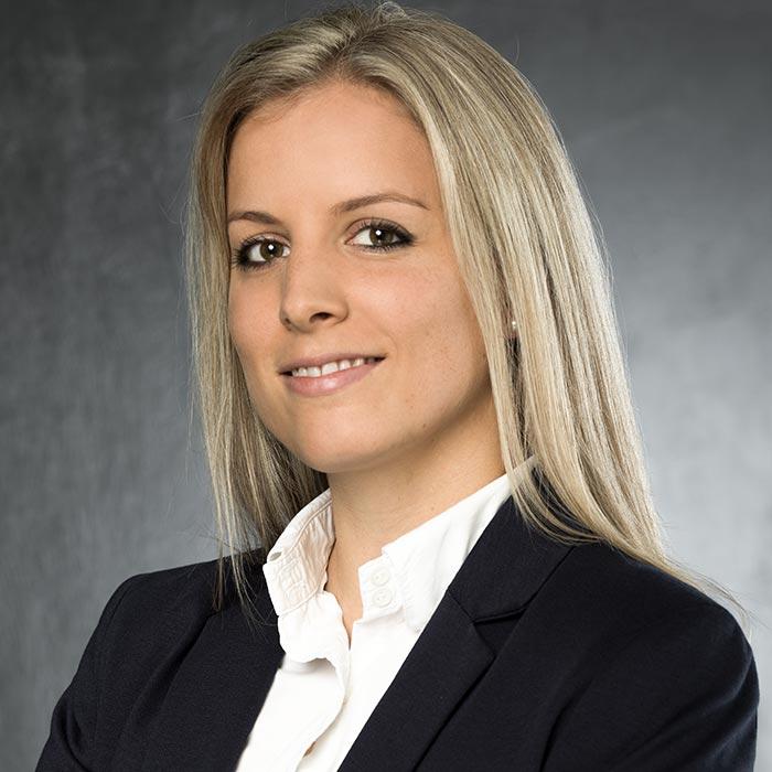 Rechtsanwältin Eva Mayer - Fotostudio Yaph